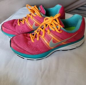 Nike running shoes size9